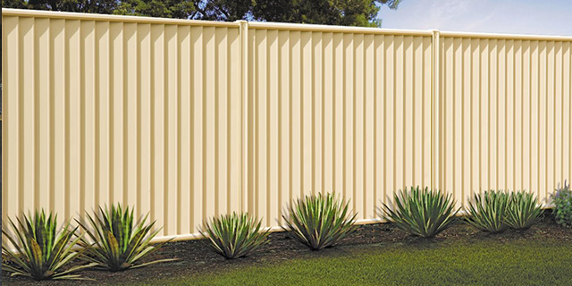 Fencing Suppliers & Erectors